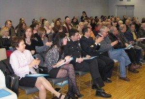 Il pubblico presente in sala durante la conferenza sul turismo