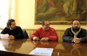 Da Sinistra l'assessore ai lavori pubblici Marco Poeta, il sindaco Tommaso Corvatta e il presidente della commissione Pier Paolo Rossi