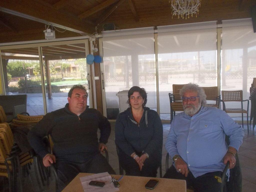Gli operatori balneari Claudio Pini, Roberta Piangerelli e Giuseppe Carbone