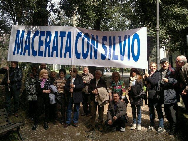 manifestazione_pro_silvio-1