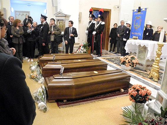 Funerale_suicidio_civitanova (7)