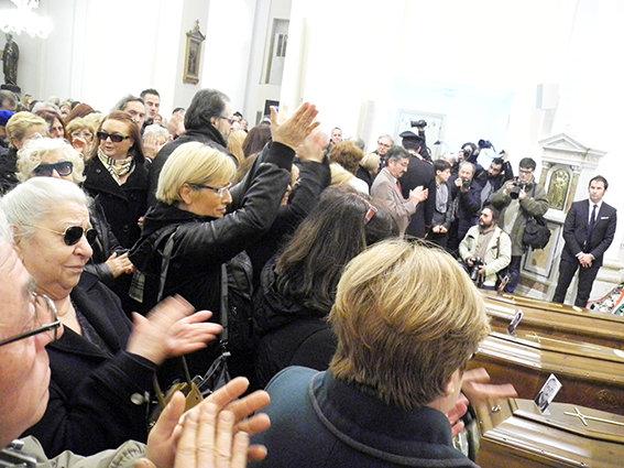 Funerale_suicidio_civitanova (8)