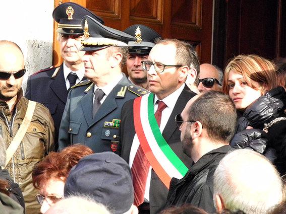 Funerale_suicidio_civitanova (9)