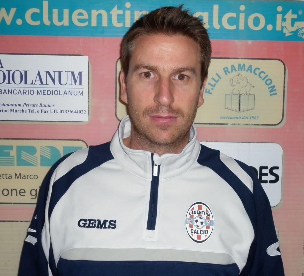 L'allenatore della Cluentina Marco Bonfigli