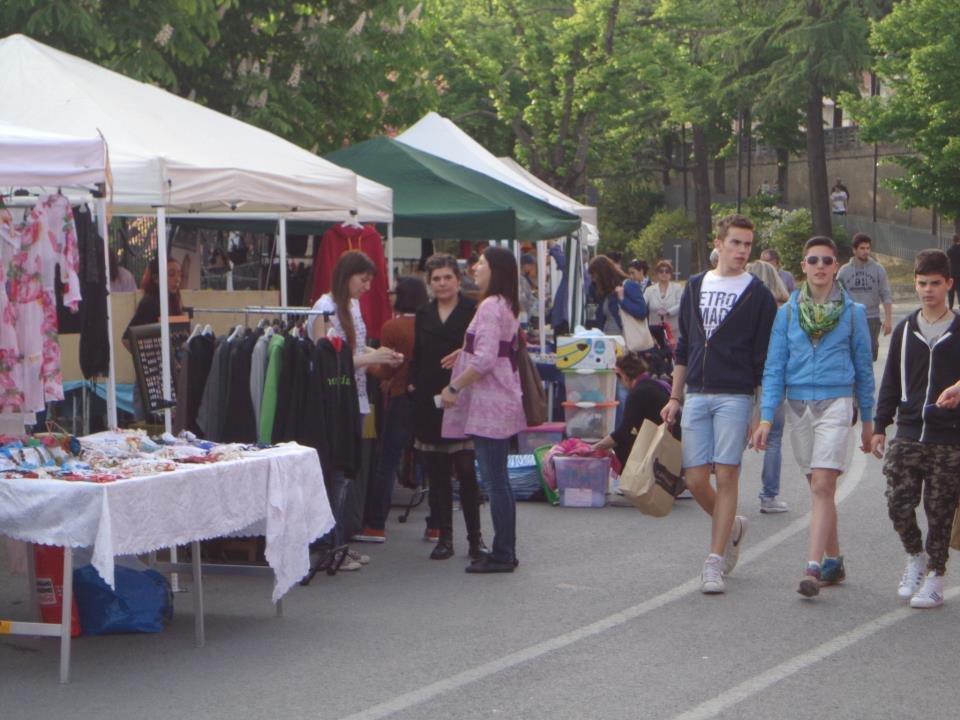 Gli stand del mercatino