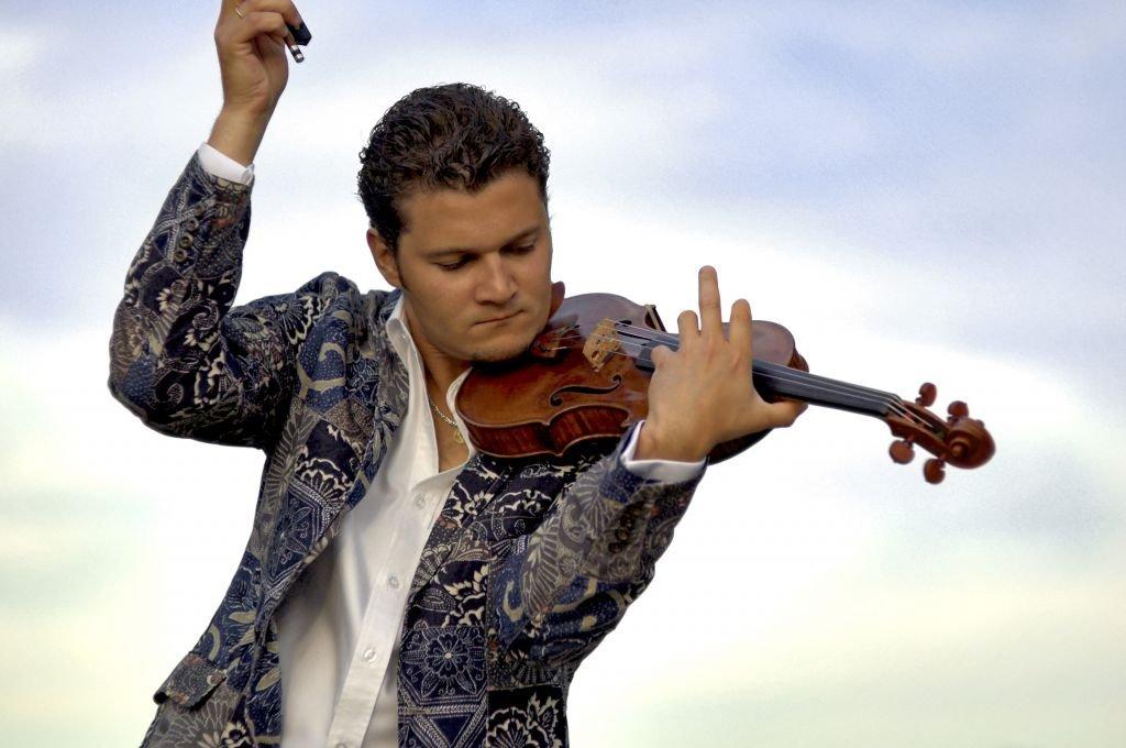 Il violinista canadese Alexandre Da Costa