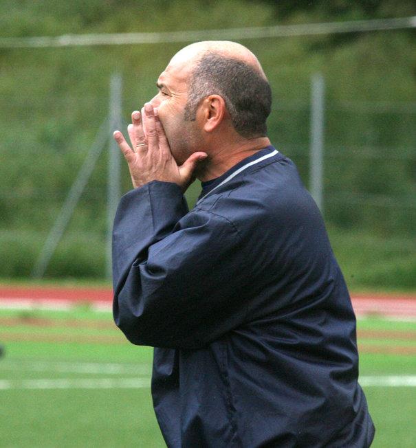 L'allenatore della Recanatese Omiccioli