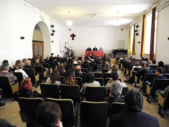 Oggi i genitori degli alunni sono stati convocati ai Salesiani ma solo durante l'assemblea tenutasi nel tardo pomeriggio hanno scoperto il vero motivo: la chiusura dell'istituto scolastico (SEGUE SERVIZIO COMPLETO)