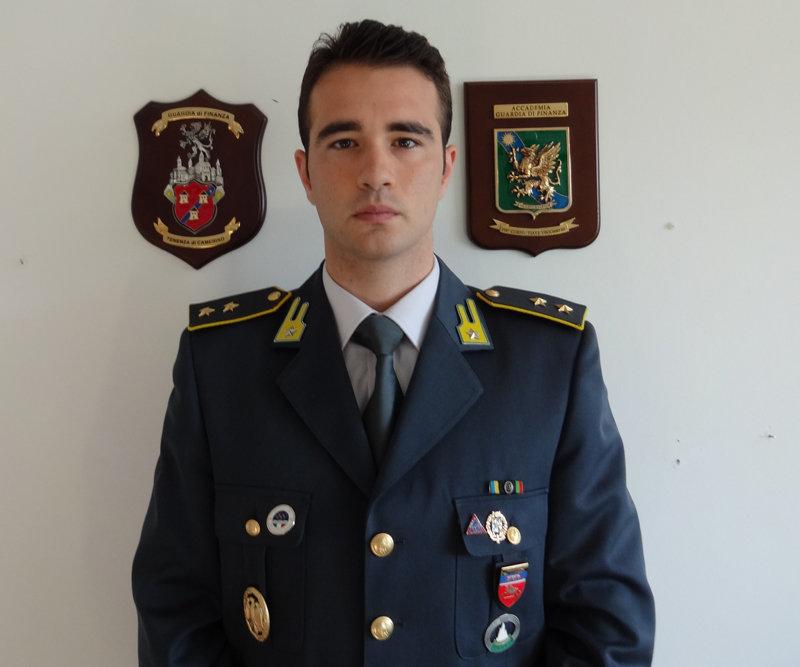Il tenente Salvatore Della Corte, comandante di Camerino