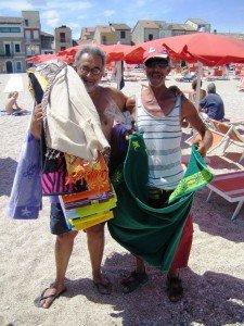 Gabor Bonifazi sulla spiaggia della sua amata Porto Recanati