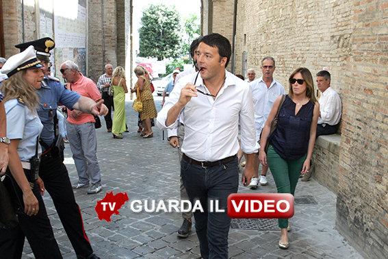 L'arrivo di Matteo Renzi a Treia (clicca sull'immagine per guardare il video)