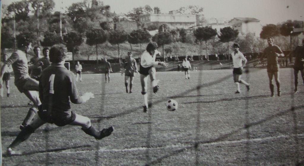 1976/77: Sentimenti apre le marcature nel derby con la Civitanovese terminato 2-1