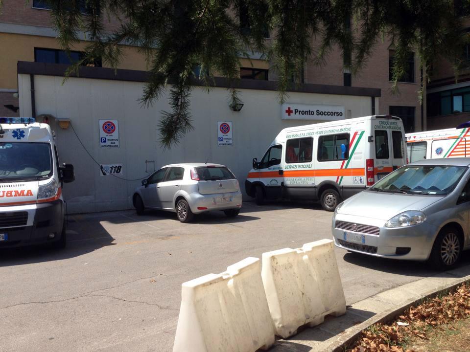 Auto_parcheggio_ambulanze