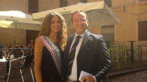 Miss Italia, Giusy Buscemi, insieme al vicesindaco di Camerino, Gianluca Pasqui