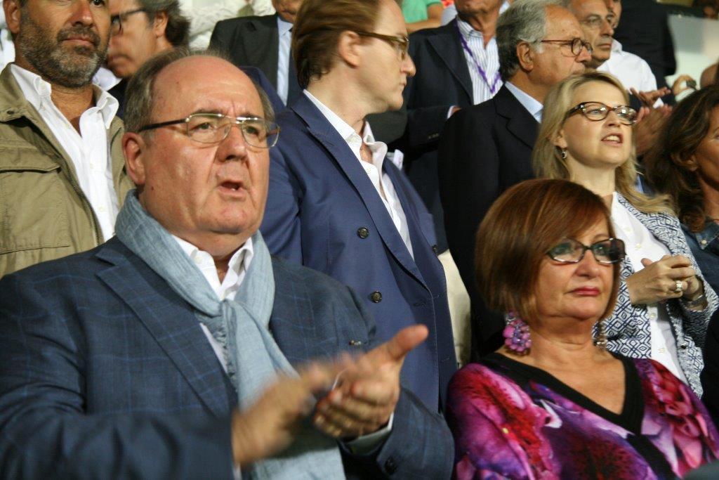 L'imprenditore Germano Ercoli con la moglie Grazia durante una partita della Lube