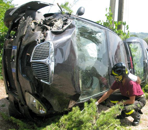 Incidente_Auto_Cingolana (7)