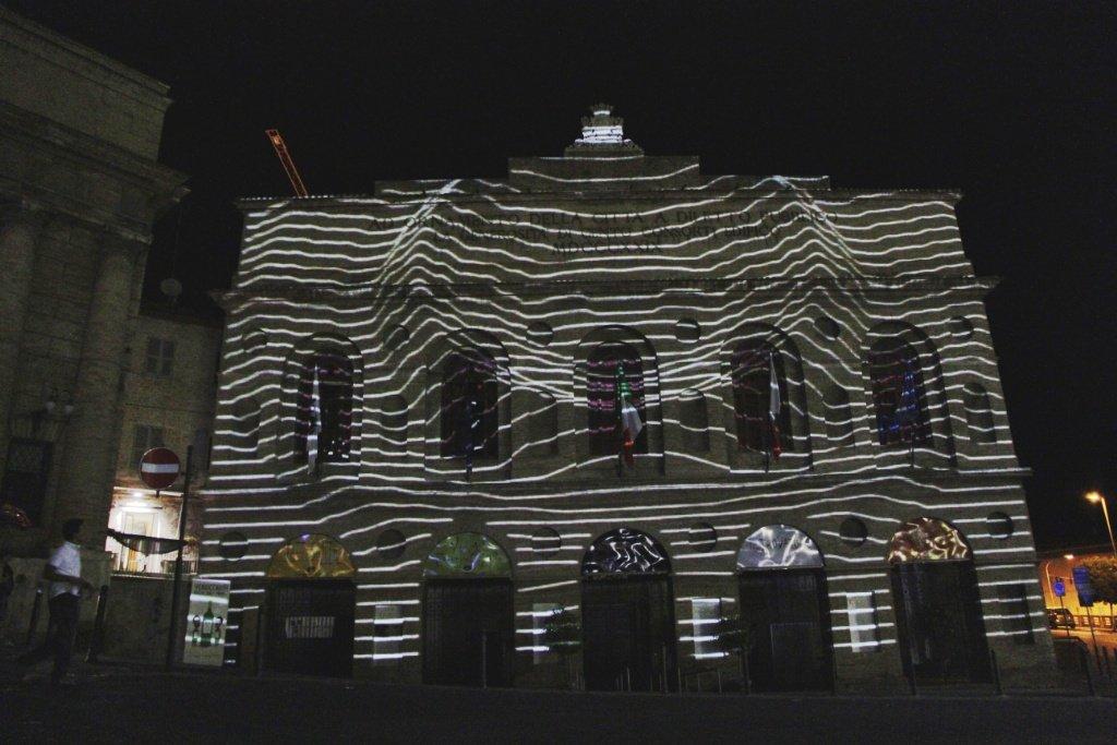 Visual mapping sulla facciata dello Sferisterio