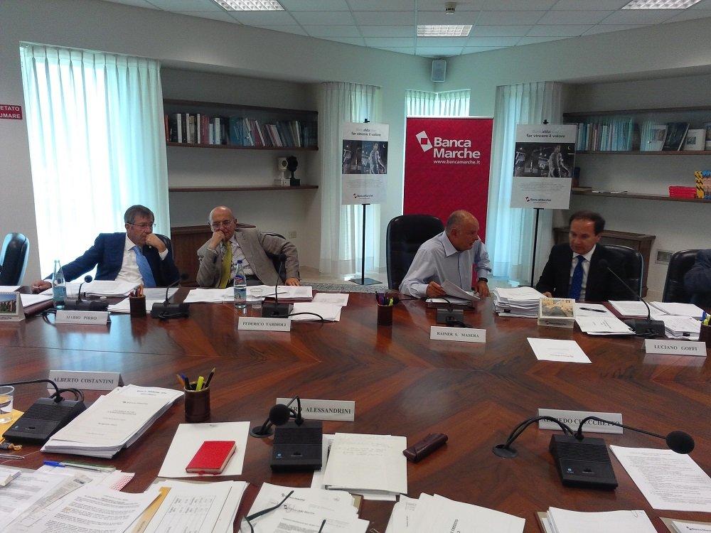 Il Consiglio di Amministrazione di oggi. Dalla sinistra i vicepresidenti Pirro e Tardioli, il presidente Masera, il dg Goffi.