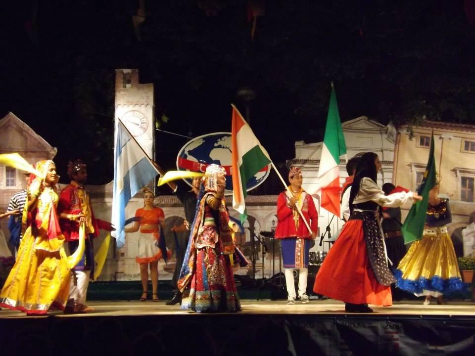 palco-2013-matelica-festival-folklore