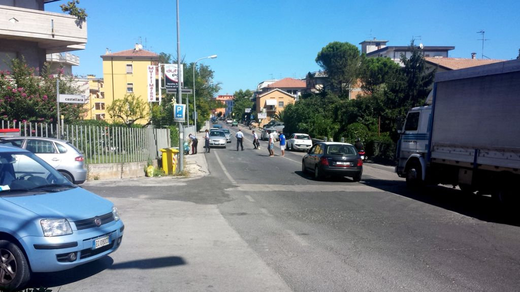 Incidente Vespa via de Amicis Civitanova (1)