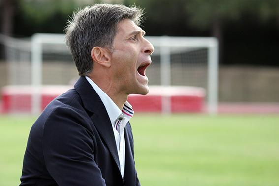 L'allenatore della Maceratese Massimiliano Favo