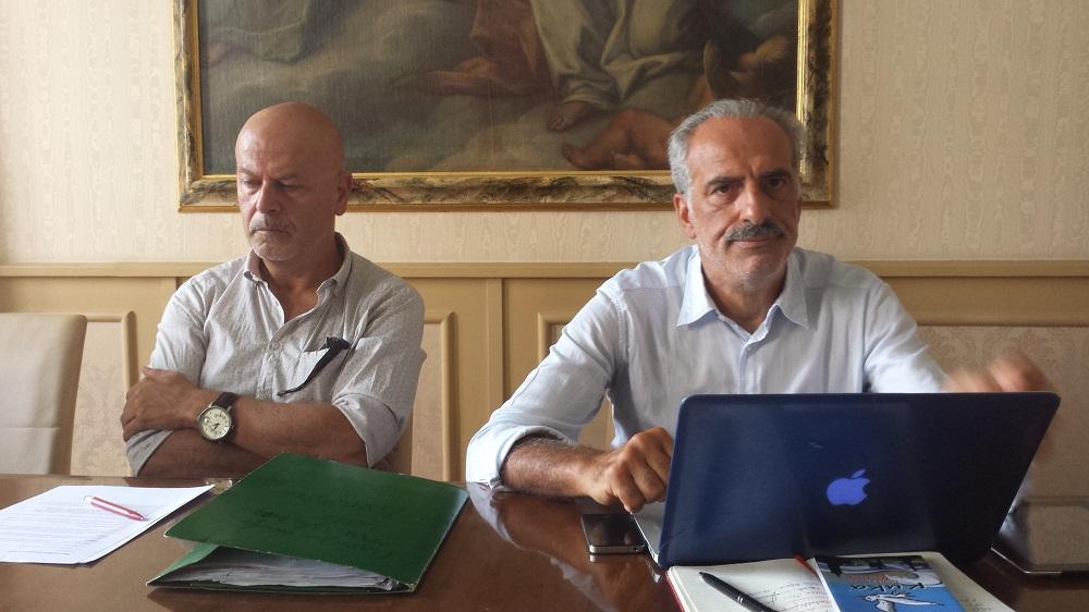 A sinistra Sergio Carlacchiani, direttore artistico di Vita Vita, insime al vicesindaco di Civitanova Giulio Silenzi
