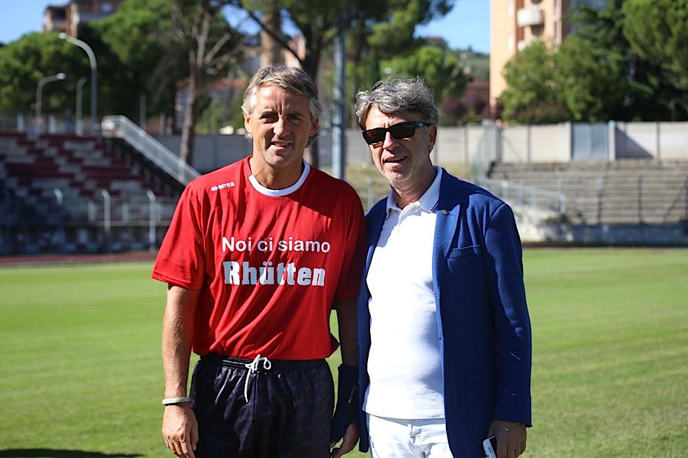 Roberto Mancini con Daniele Sparvoli, presidente del Rotary di Tolentino