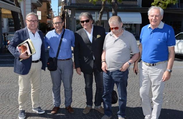 L'incontro del luglio scorso tra Tommaso Corvatta sindaco di Civitanova e i vertici della dirigenza Lube