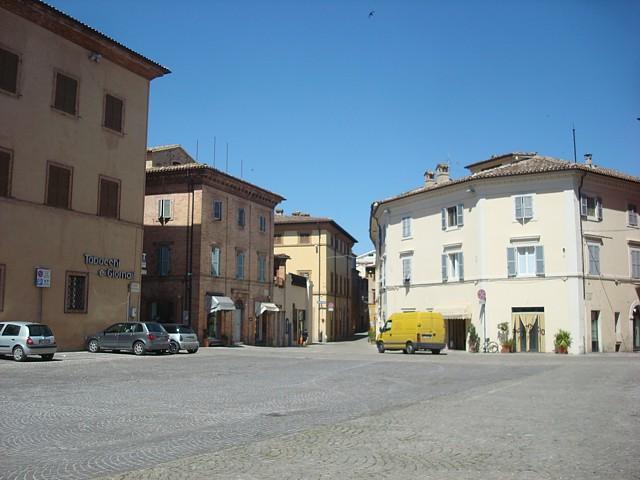 Piazza Mauruzi a Tolentino