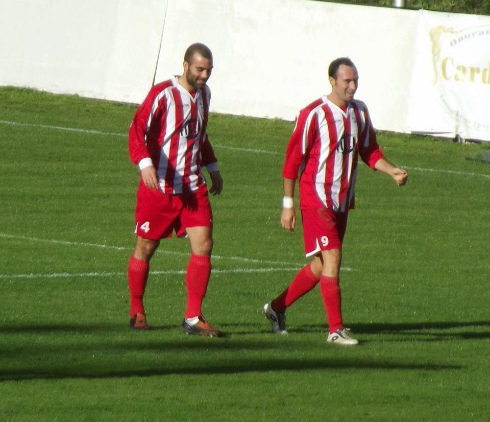Gli attaccanti Cacciatore e Staffolani dopo il gol