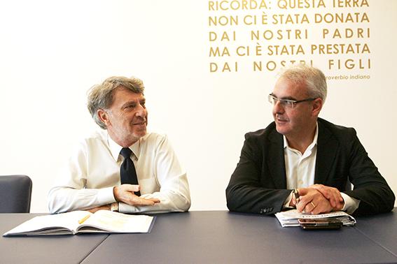Il presidente del Cosmari Sparvoli e il sindaco Carancini