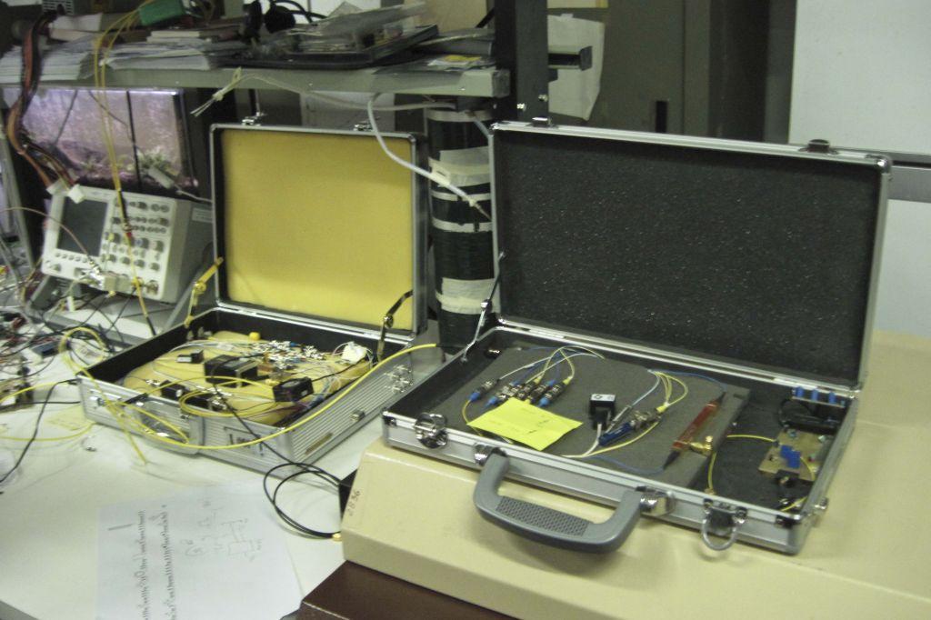 """Le due """"valigette""""  che comunicano utilizzando la crittografia quantistica"""