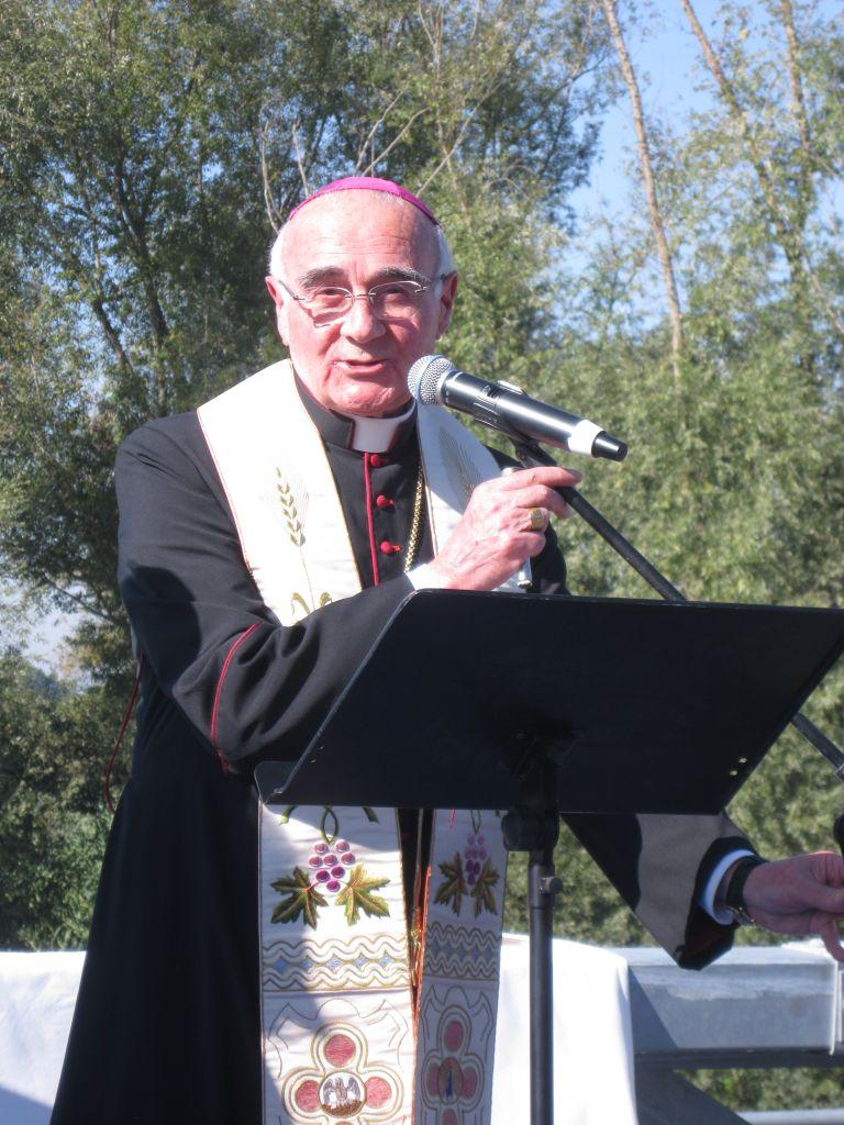 inaugurazione ponte sul chienti (11) Mons Luigi Conti