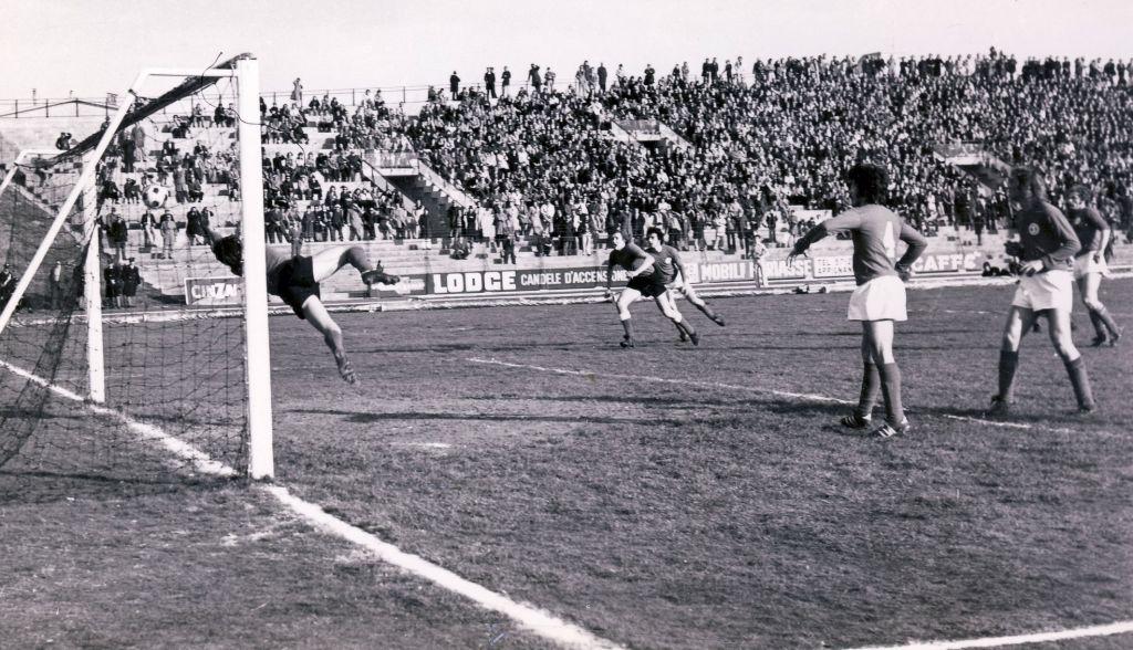 (1973-74) Maceratese-Ancona 1-0 Il gol realizzato con un gran colpo di testa da Dino Pagliari