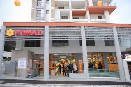 Nell'area ex Vam è sorto il supermercato Conad