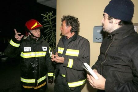 Al centro il funzionario dei vigili del fuoco Carlo Iammarino