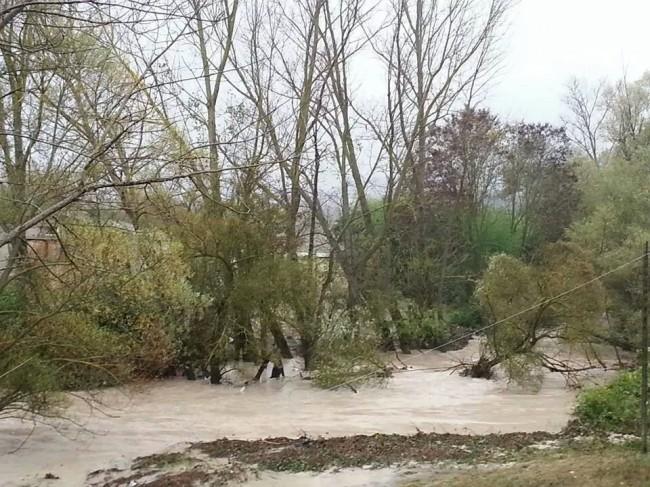 Il torrente straripato a Pievebovigliana