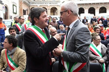 I sindaci Cesare Martini e Romano Carancini