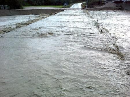 Il guado sul Fiastra sommerso dall'acqua nei giorni del maltempo di novembre