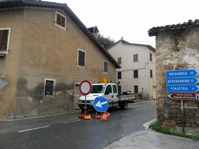 Strada chiusa a Polverina