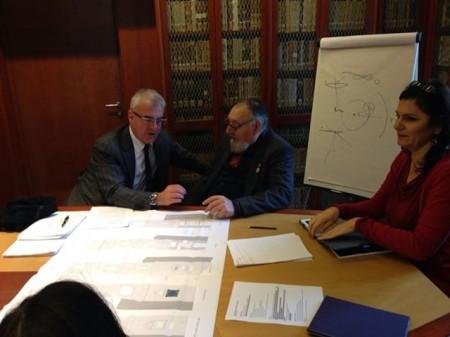Il sindaco Romano Carancini con Alberto Gorla e l'assessore ai Beni culturali Stefania Monteverde