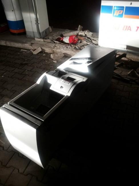ip contrada pieve bancomat furto (2)