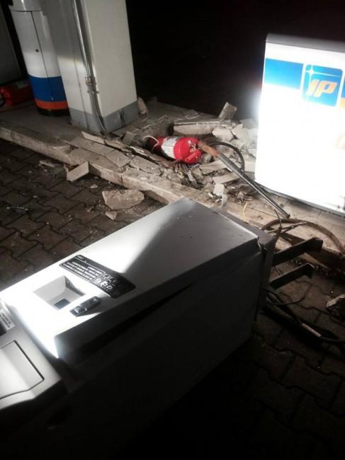 ip contrada pieve bancomat furto (3)