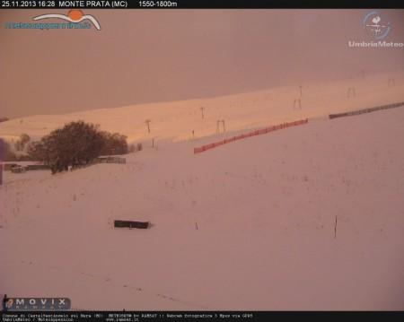 Il monte Prata questo pomeriggio (Foto da meteoappennino.it)