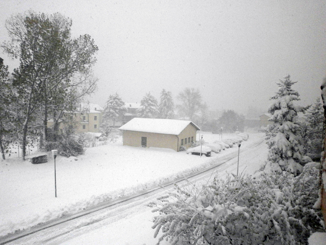 La neve a Muccia (Foto di Manuel Casoni)