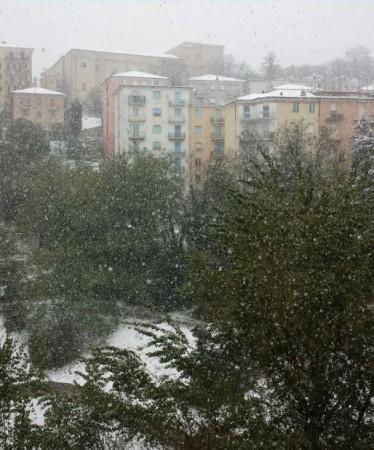 L'intensa nevicata di questa mattina su Macerata