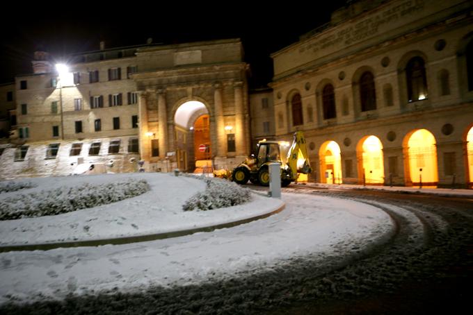26 novembre 2013, neve a Macerata (foto di Guido Picchio)