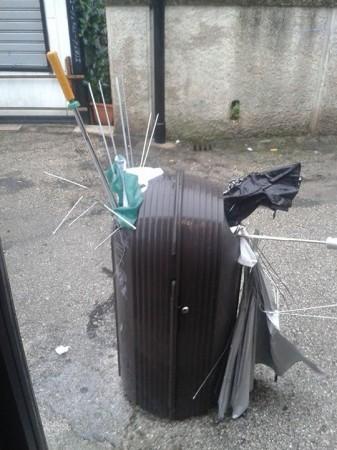 ombrelli_rotti