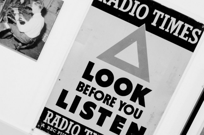 001_look-before-you-listen-650x432
