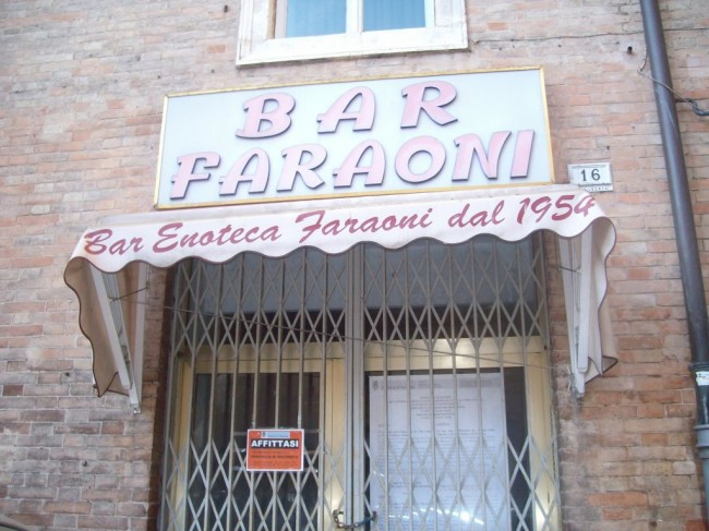 Ex bar Faraoni Affittasi (3)